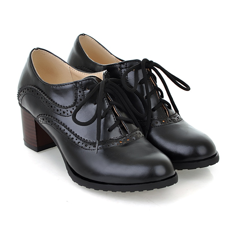 Brogue Womens Oxford Lace Up