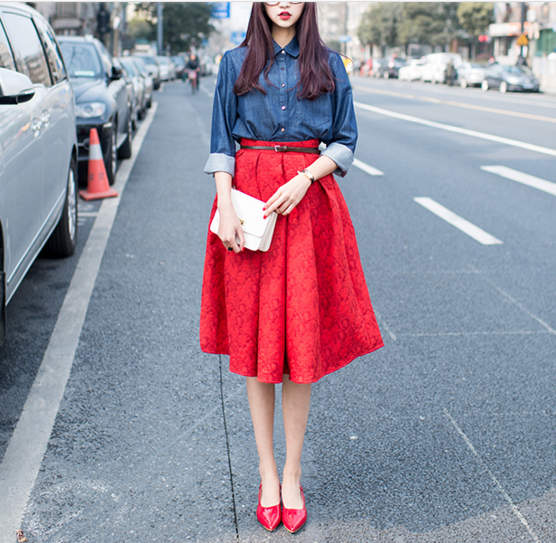 Red Lace Pleated Skirts