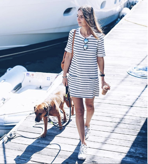 Jess Kirby  Strolled by the sea in her cute striped mini dress! This OOTD is definitely on point!
