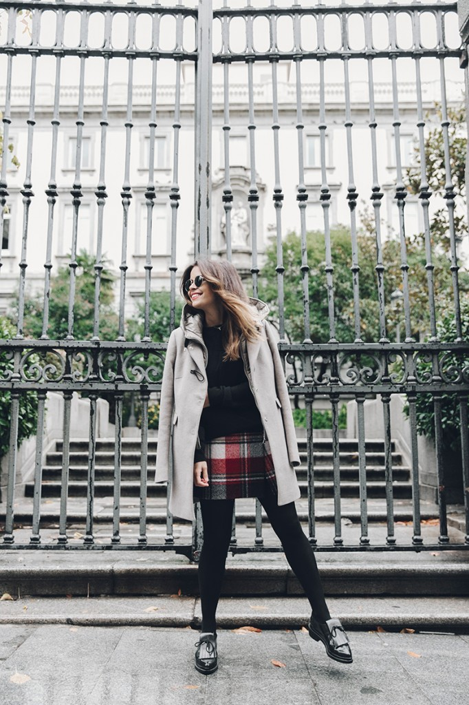Fay_Coat-Beige_Coat-Checked_Skirt-Blue_Sweater-College_Look-Loafers-Outfit-Street_Style-Collage_Vintage-