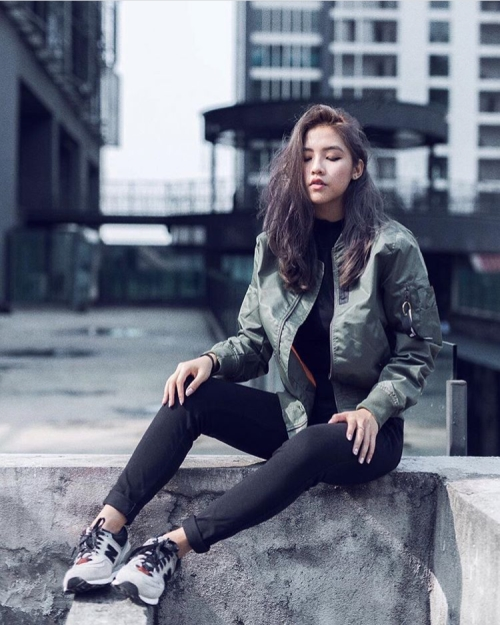 how-to-style-a-bomber-jacket-fall-2016-vanessa_cwy