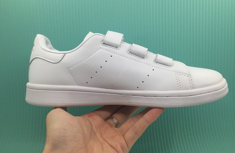 minimal-white-trainers-with-white-velcro-straps-closure
