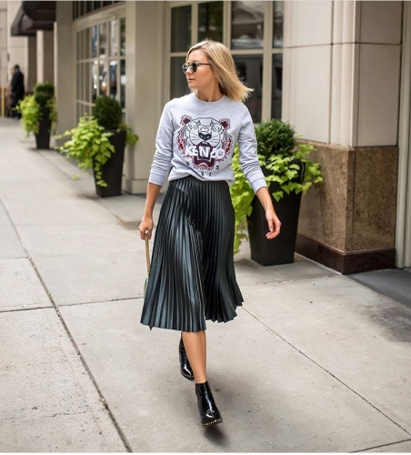stunning-ways-to-style-a-skirt-this-fall-laurie-ferraro