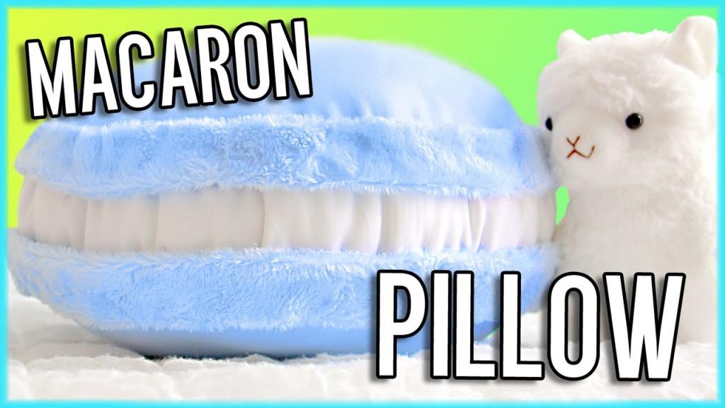 diy-no-sew-macaron-pillow