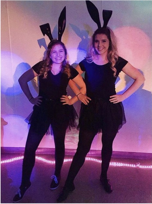 halloween-inspired-costume-twinning-emoji