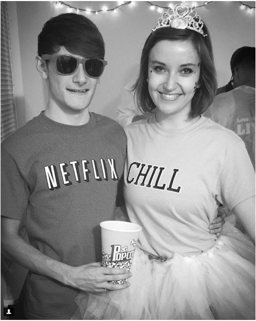 halloween-inspired-outfit-netflix-and-chill