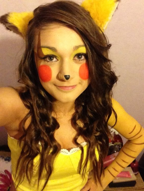 halloween-inspired-outfit-pikachu