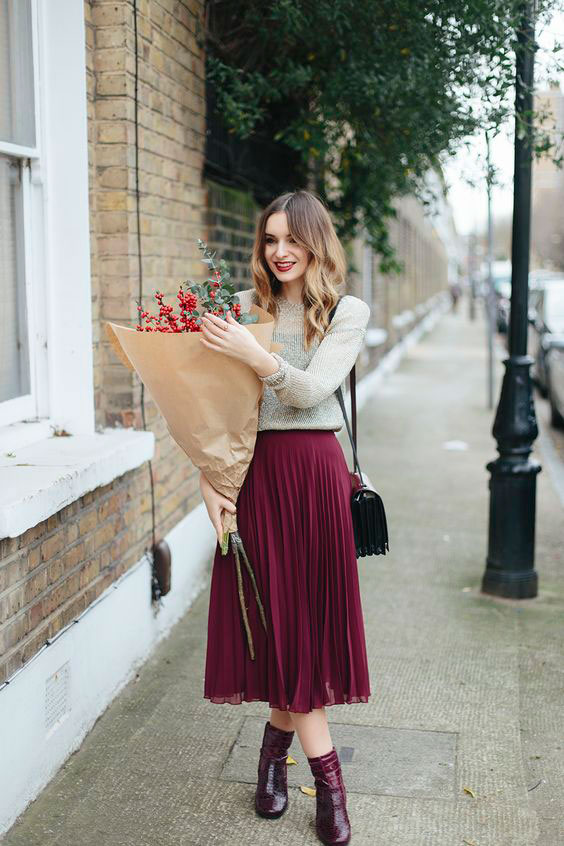 how-to-style-pleated-skirt-the-wardrobe-essential-whatoliviadid