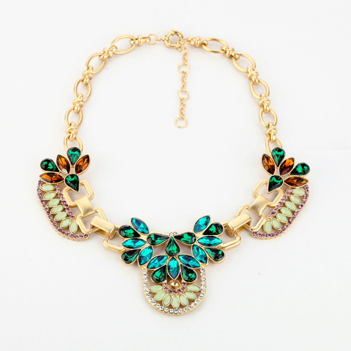 colorful-rhinestone-beaded-fashion-statement-necklace