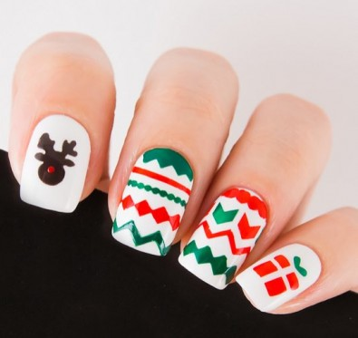 gorgeous-d-i-y-christmas-nail-art-designs