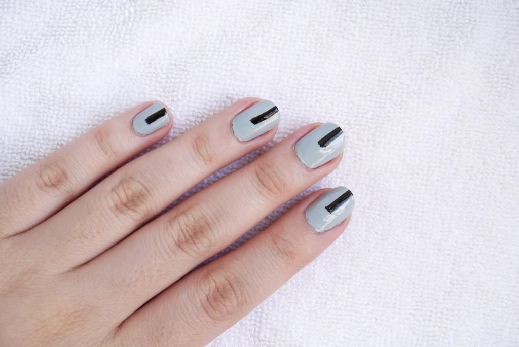 minimalist-nail-art