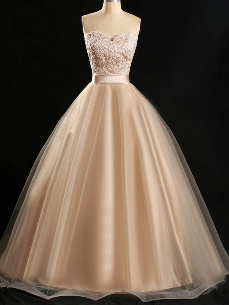 strapless-lace-applique-a-line-tulle-prom-gown