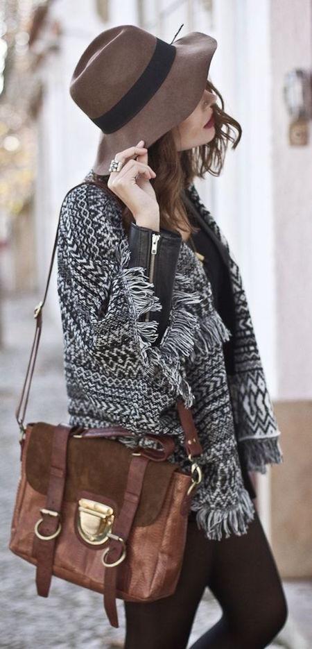 messenger-bag-knitted-cardigan