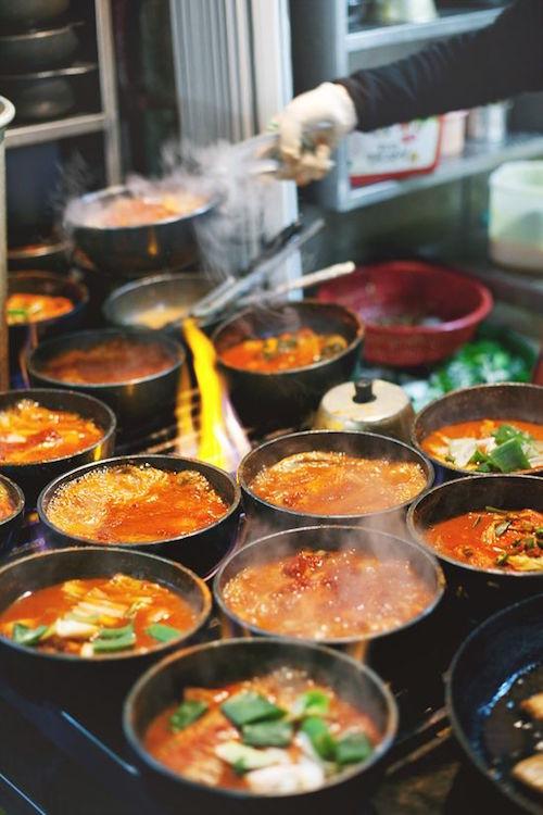 namdaemun-market-street-food-seoul-south-korea
