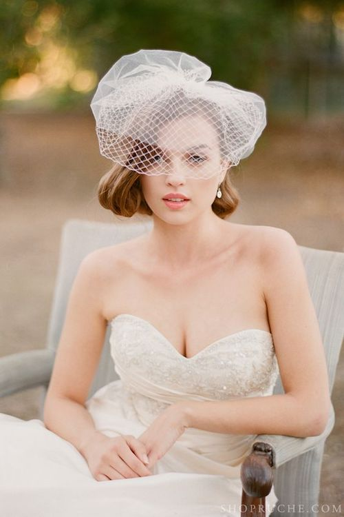 birdcage-veil-short-hair-wedding-hairstyles