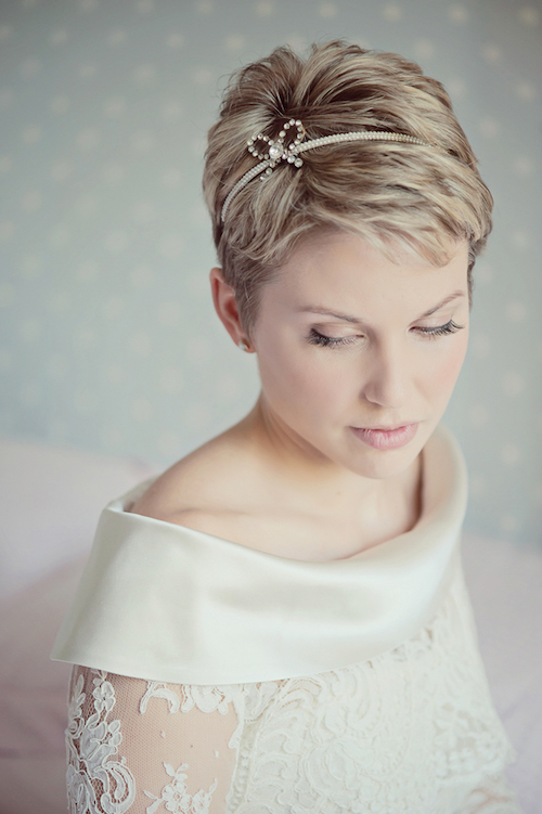 pixie-cut-metallic-headband