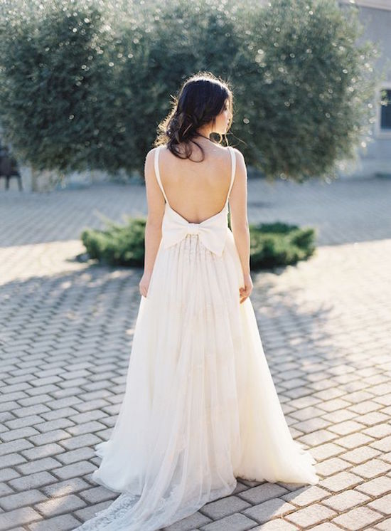 wedding-dress-oversized-bow