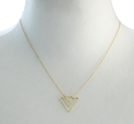 triangle-arrow-necklace