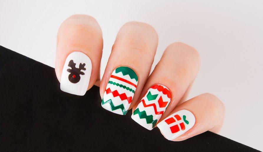 Gorgeous D I Y Christmas Nail Art Designs Luulla S Blog