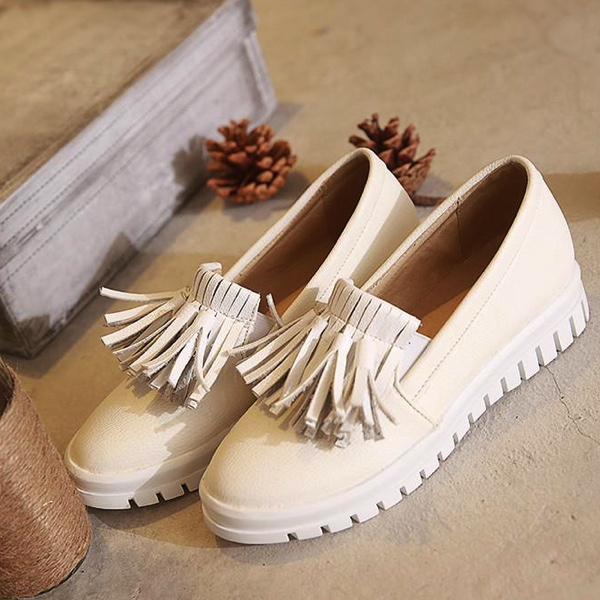 Tassel Accent Rounded-Toe Slip On Sneakers